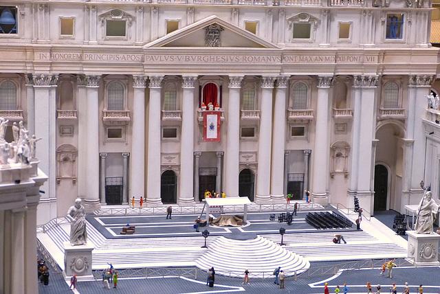 Rom, Petersdom: Papstaudienz vor leeren Rängen