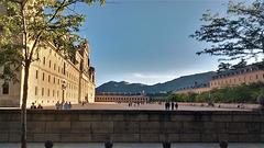 San Lorenzo de El Escorial and Las Machotas as a backdrop.