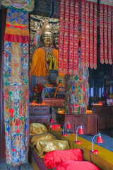 Praying hall inside the Yonghe Temple
