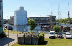 Am Harburger Binnenhafen (2xPiP)