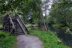 Brücke über den Fließen