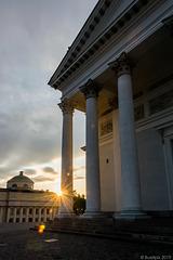 abends beim Dom von Helsinki (© Buelipix)