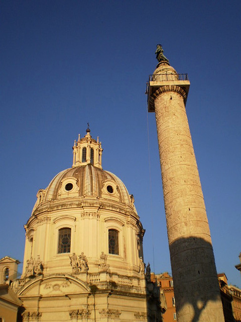 Church of the Holy Name of Mary and Trajan's Column.