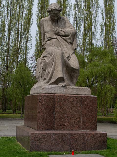 Berlin Soviet War Memorial Treptower Motherland (#2651)