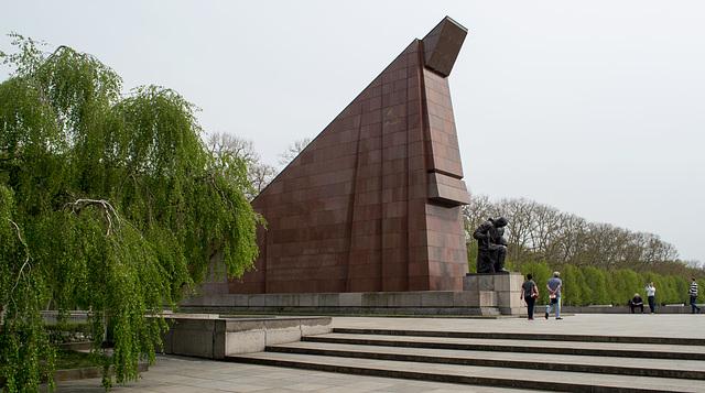 Berlin Soviet War Memorial Treptower  (#2653)