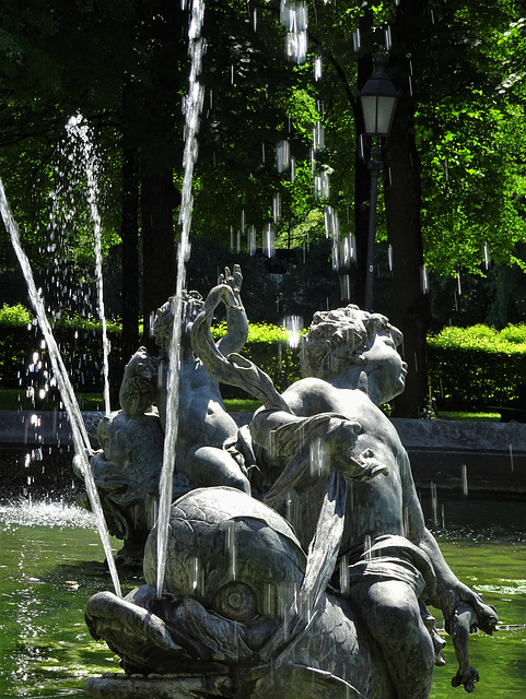 Brunnen am Friedensengel, detail