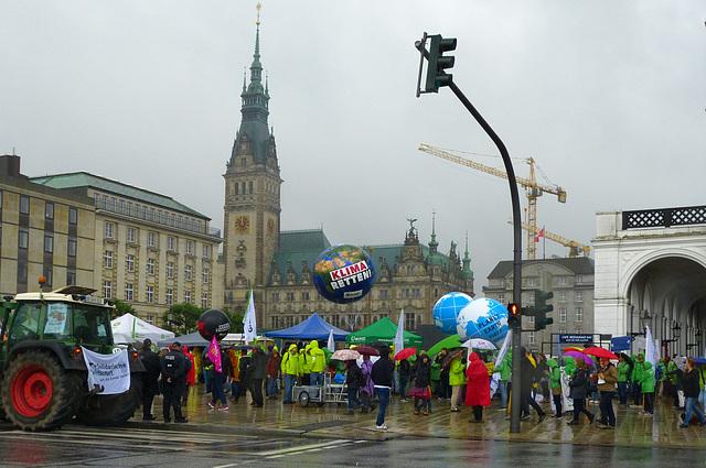 Forderung auch an die Hamburger Politik: Klima retten!