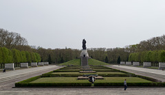 Berlin Soviet War Memorial Treptower  (#2657)