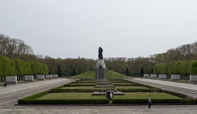 Berlin Soviet War Memorial Treptower  (#2657)
