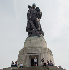 Berlin Soviet War Memorial Treptower  (#2672)
